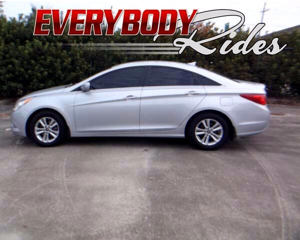 2013 Hyundai Sonata Visit Everybody Rides 2 online at wwweverybodyrides1com to see more pictures