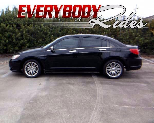 2011 Chrysler 200 Visit Everybody Rides 2 online at wwweverybodyrides1com to see more pictures of