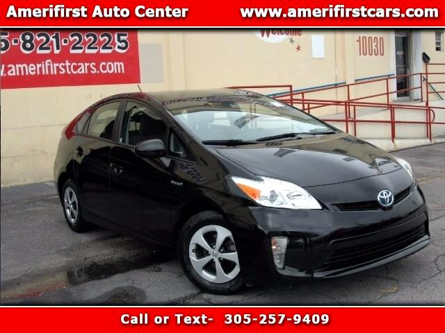 2014 Toyota Prius  WE FINANCE EVERYONE  FREE CLEAN CARFAX  NO ACCIDENTS  LIKE NEW  NO