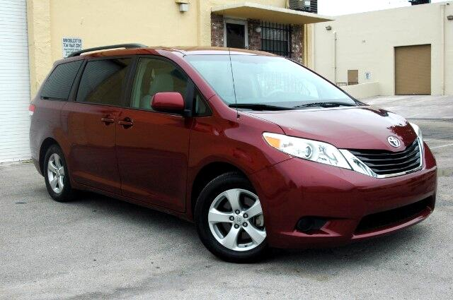 2011 Toyota Sienna WWWAMERIFIRSTCARSCOMAUCTION PRICESBLOW OUT LIQUIDATION SALEWHOLESALERS W