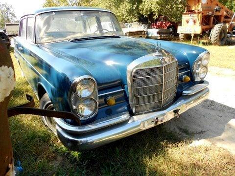 1965 Mercedes-Benz 230-Class