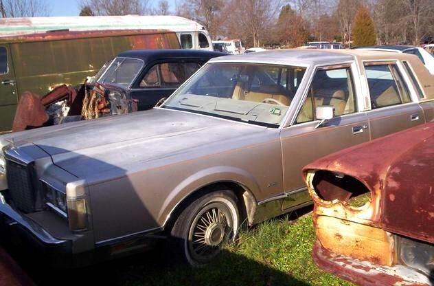 1985 Lincoln Town Car Sedan