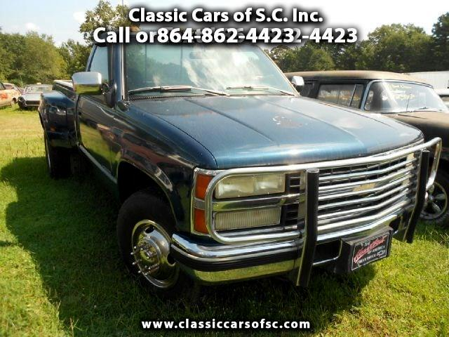 1993 Chevrolet C/K 3500 Dulley pickup truck