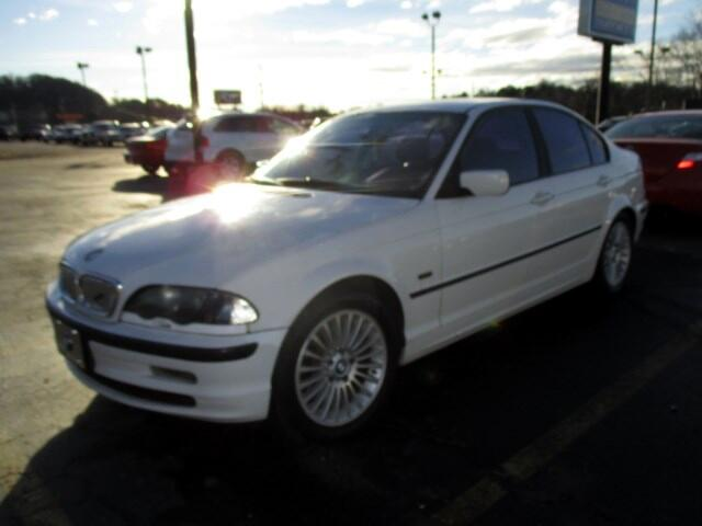 2001 BMW 3-Series This unit has a branded title and true miles are unknown Please feel free to con