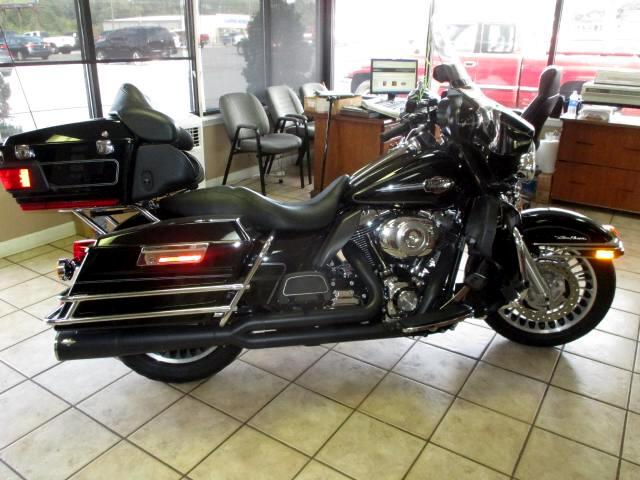 2010 Harley-Davidson FLHTCU Please feel free to contact us toll free at 866-223-9565 for more inform