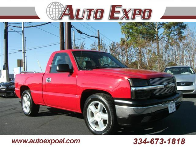2005 Chevrolet Silverado 1500 Reg. Cab Short Bed 2WD