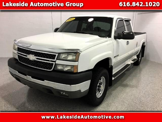 2005 Chevrolet Silverado 2500HD LS Ext. Cab Long Bed 2WD
