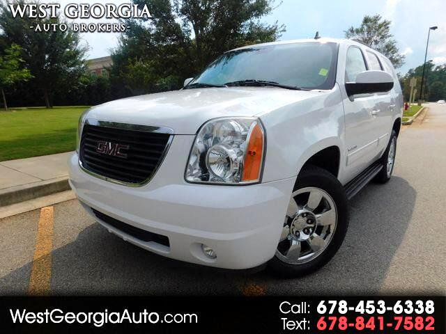 2011 GMC Yukon Vehicle Description  GUARANTEED CREDIT APPROVAL   20 INCH WHEELS  HEATED