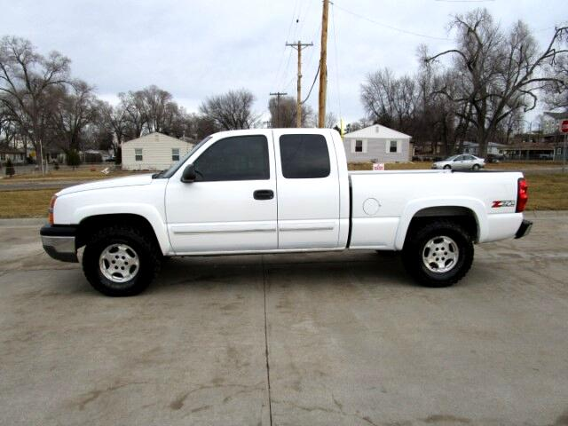 2004 Chevrolet Silverado 1500 LT Ext. Cab 6.5 ft Bed 4WD