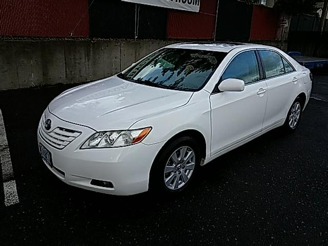 2007 Toyota Camry XLE 4cyl Auto LEATHER MOON CLEAN  33MPG!!!