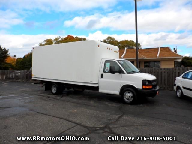 2013 Chevrolet Express G3500 18-ft Box