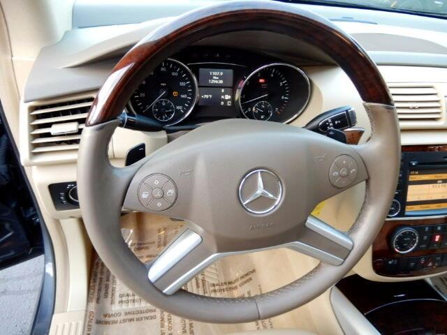 2010 Mercedes-Benz R-Class R350 4MATIC w/ 3rd Row