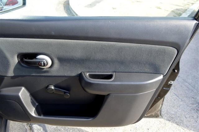 2011 Nissan Versa 1.8 SL Sedan