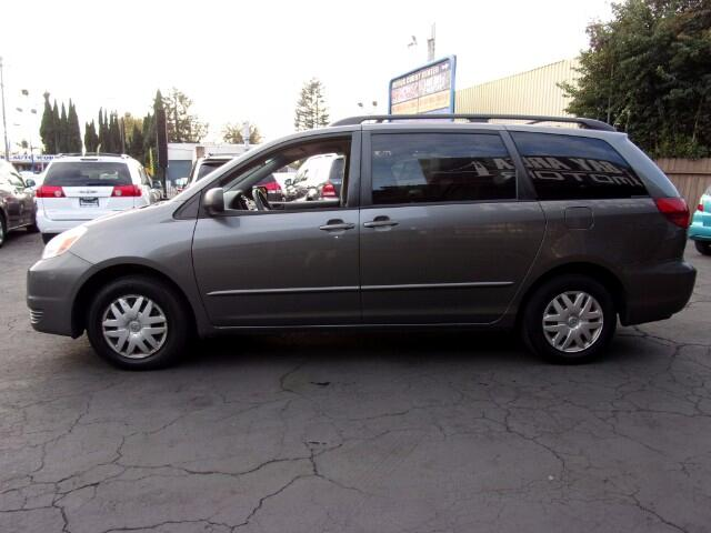 2005 Toyota Sienna LE - 8 Passenger Seating