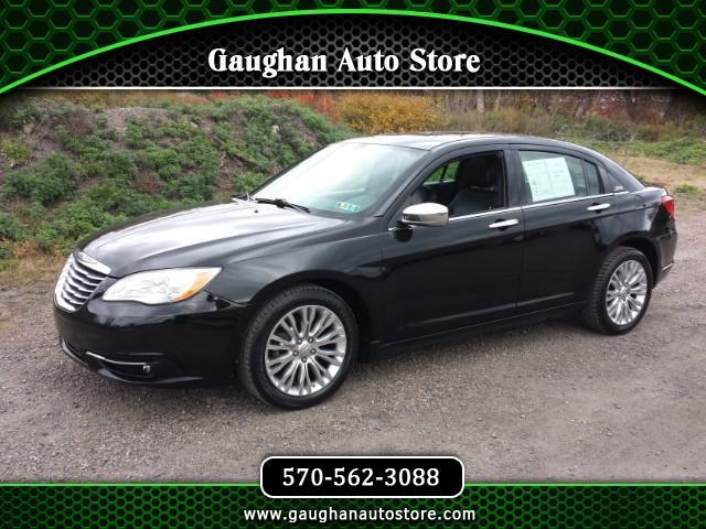 2012 Chrysler 200 Limited  Moonroof/ Leather