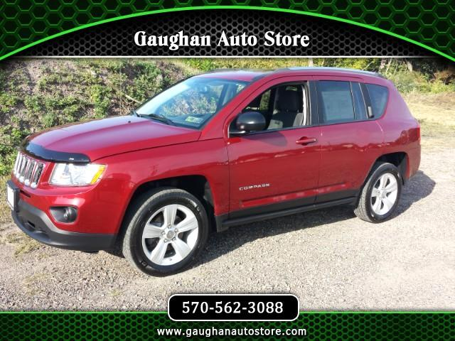 2013 Jeep Compass Latitude 4WD MOONROOF
