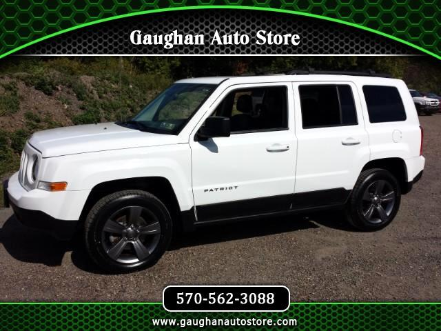 2015 Jeep Patriot Latitude  4WD MOONROOF