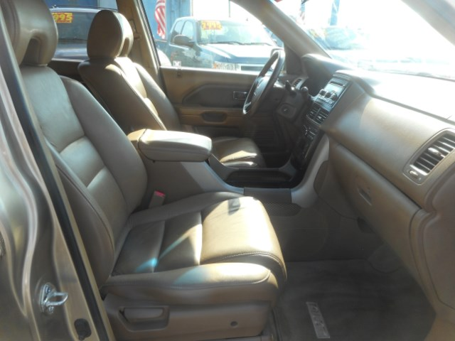 2006 Honda Pilot EX w/ Leather