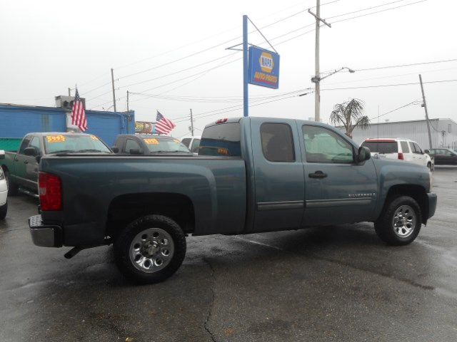 used 2009 chevrolet silverado 1500 work truck ext cab long box 2wd for sale in kenner la 70062. Black Bedroom Furniture Sets. Home Design Ideas