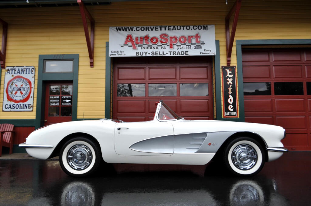 1960 Chevrolet Corvette White Red 270hp 4sp #s match