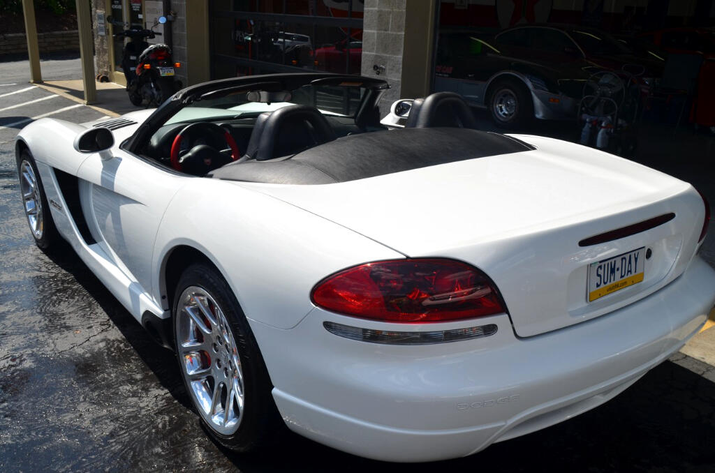 used 2004 dodge viper srt 10 convertible for sale in indiana pa 15701 autosport co. Black Bedroom Furniture Sets. Home Design Ideas