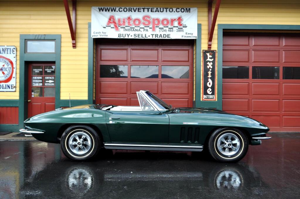 1965 Chevrolet Corvette NCRS Top Flight Fuelie Frame Off Resto