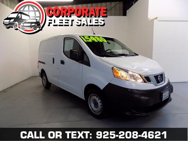 2015 Nissan NV200 WHAT A GREAT FIND HERE 30K MILES AUTOMATIC 4 CYLINDER WORK HORSE PLENTY OF ROO