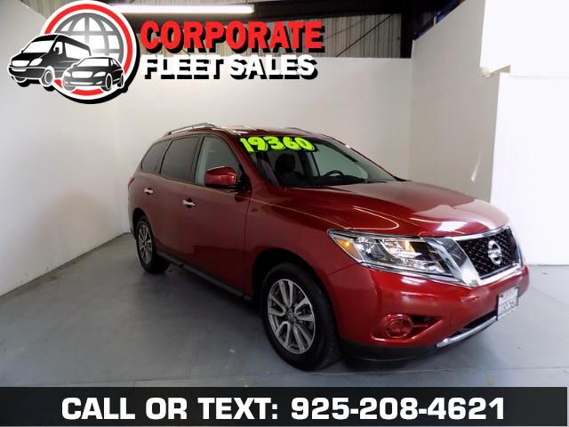 2016 Nissan Pathfinder THE NEWEST BODY STYLE FROM NISSAN LOOKS LIKE AN SUV--DRIVES LIKE A CAR
