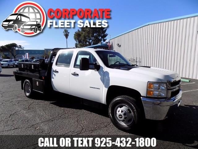 2014 Chevrolet Silverado 3500HD CHEVROLET SILVERADO 3500 HD CREW CAB FLAT BED WORK TRUCK DUAL REAR