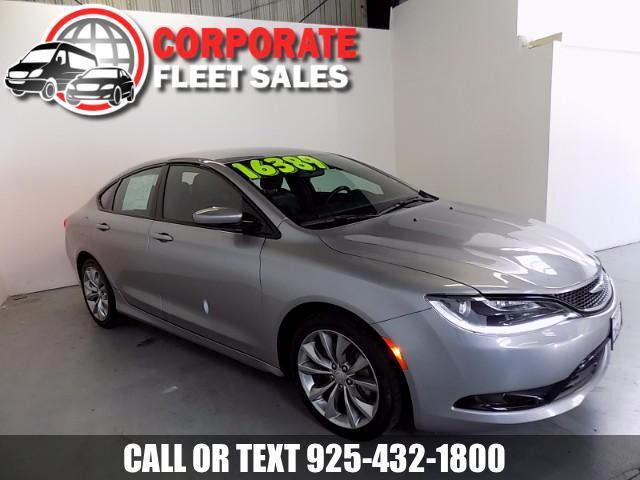 2015 Chrysler 200 CHRYSLER 200 S AWESOME THIS IS THE BEST OF LUXURY MEETS JUST THE RIGHT TOUCH OF S