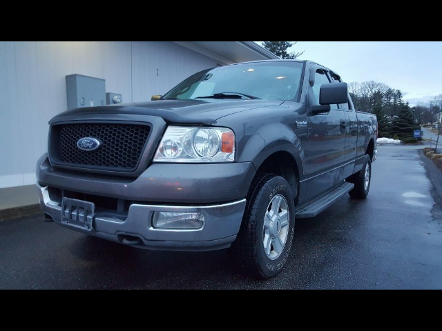 "2004 Ford F-150 4WD SuperCab 133"" XLT"