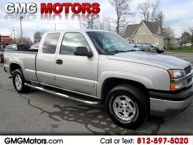 2004 Chevrolet Silverado 1500 Work Truck Ext. Cab Short Bed 4WD