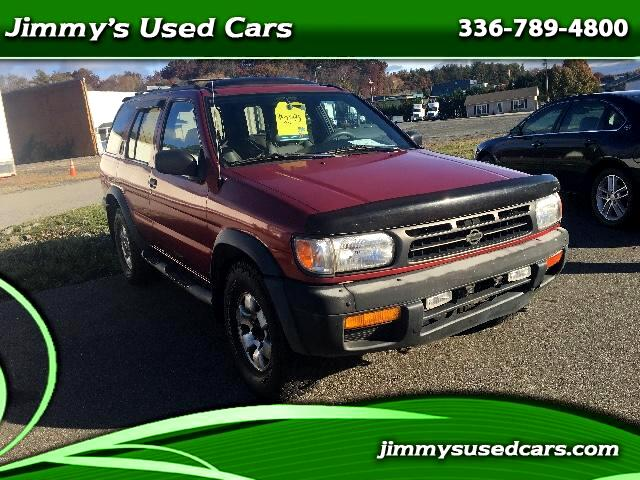 1999 Nissan Pathfinder XE 4WD