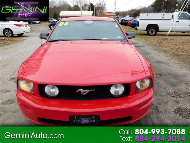2006 Ford Mustang GT Deluxe Coupe