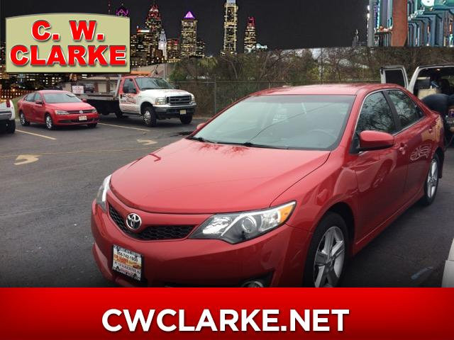 2014 Toyota Camry SE 5-Spd AT