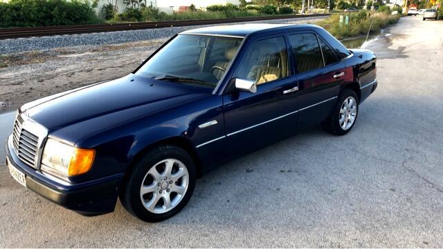 1992 Mercedes-Benz 300 D sedan