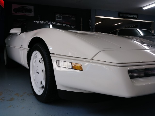 1988 Chevrolet Corvette 2dr Hatchback Coupe