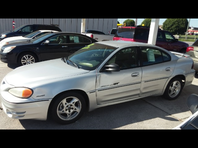 2002 Pontiac Grand Am GT sedan