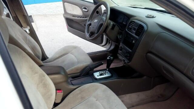 2002 Hyundai Sonata Base
