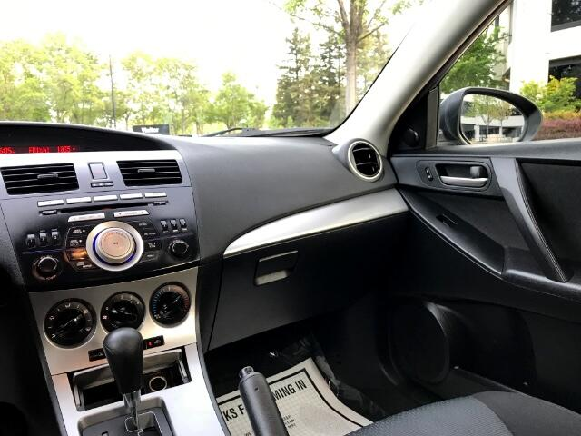 2010 Mazda MAZDA3 i Touring 4-door