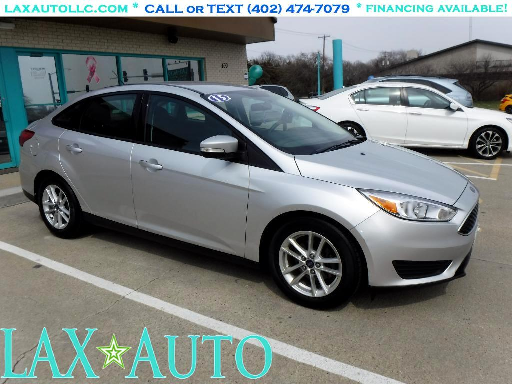 2015 Ford Focus SE Sedan * Only 30k miles! * Back-up cam! *