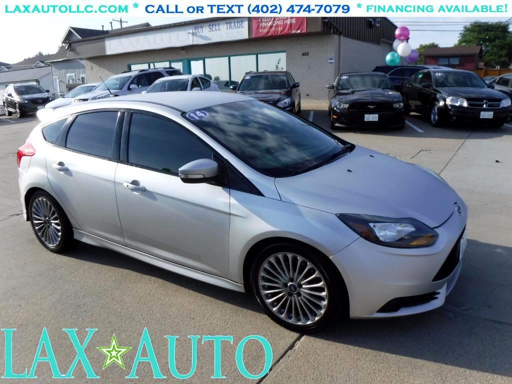 2014 Ford Focus ST 2.0T Hatch * Only 32k Miles! * 6-Speed! *