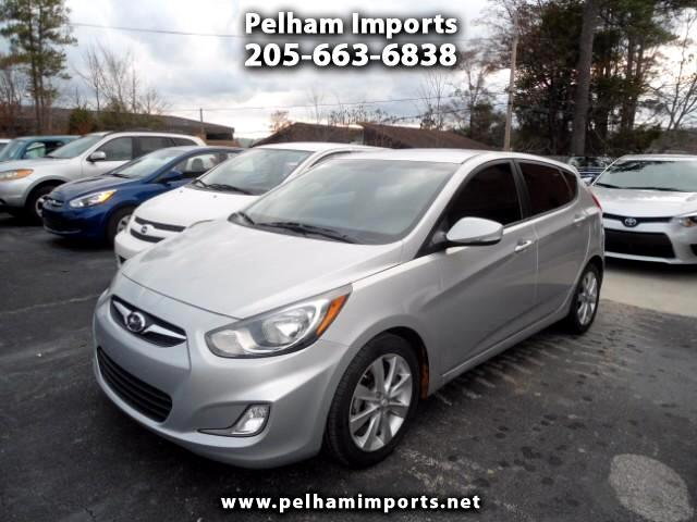 2013 Hyundai Accent SE 5-Door