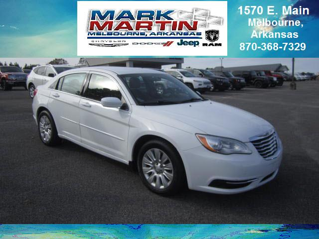 2013 Chrysler 200 LX 4dr Sedan