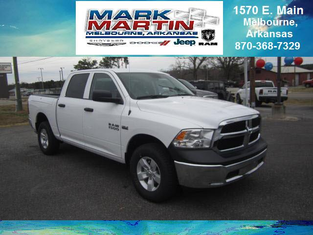2018 RAM 1500 4x4 Express 4dr Crew Cab 5.5 ft. SB Pickup