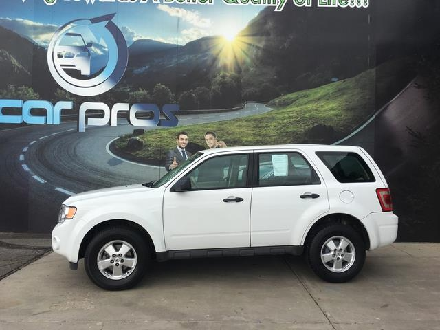 2010 Ford Escape XLS 2WD AT