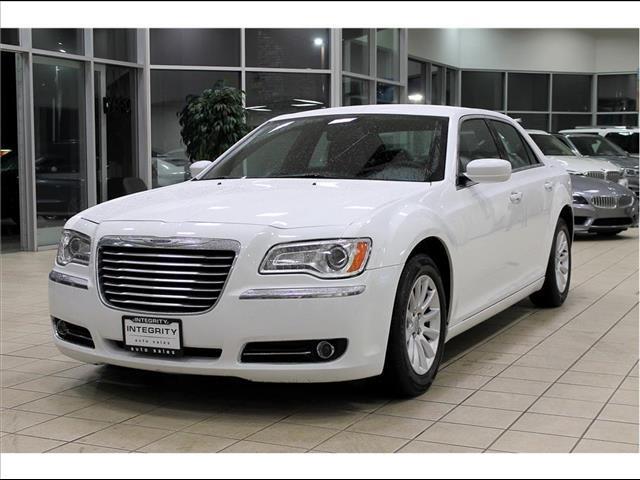 2014 Chrysler 300 RWD