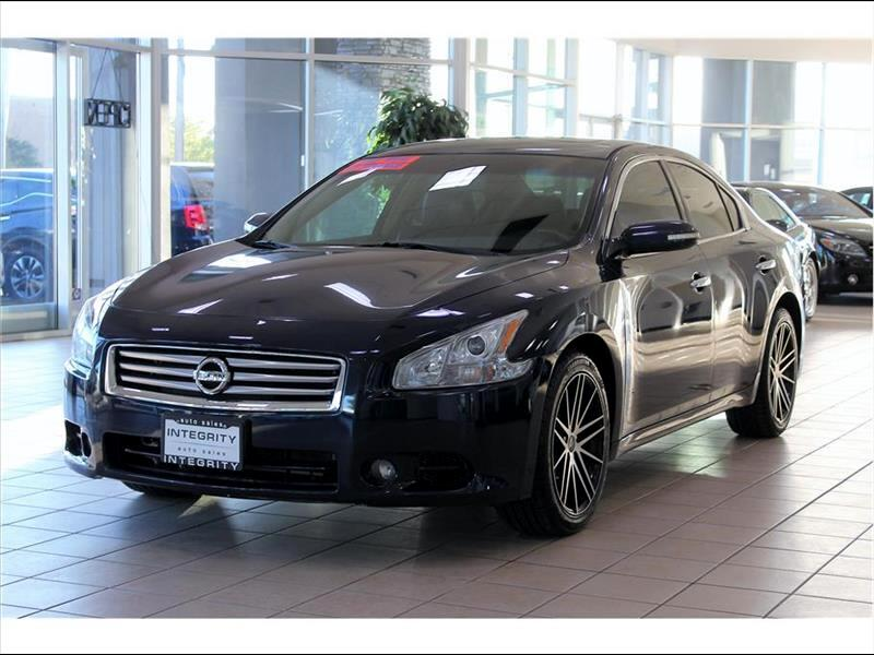 2014 Nissan Maxima Visit Integrity Auto Sales online at integrityautozcom to see more pictures of