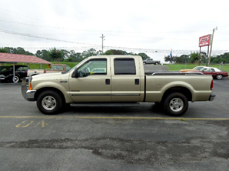 2000 Ford F-250 SD XL Crew Cab Short Bed 2WD