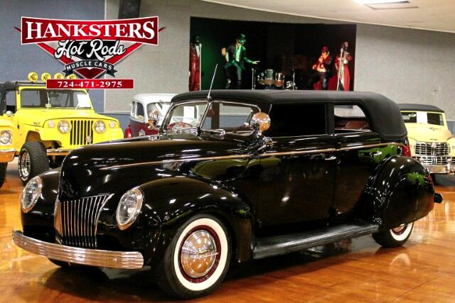 1939 Ford Convertible Deluxe
